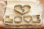 Kekse-Fräswerkzeuge für 'LOVE' Kekse auf Teig