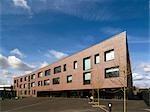 Surrey County Council Christ College et étang Prairie School, Guildford. Nouveau special a besoin de l'école primaire et école secondaire à Guildford. Architectes : DSDHA
