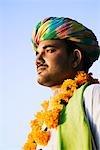 Gros plan d'un homme pense, Udaipur, Rajasthan, Inde