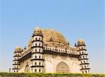 Fassade von einem Mausoleum Gol Gumbaz, Bijapur, Karnataka, Indien
