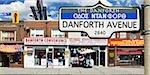 Magasins sur Danforth Avenue, Toronto, Ontario, Canada