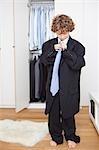 Junge Väter Anzug