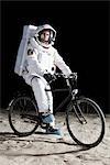Un astronaute à bicyclette sur la lune