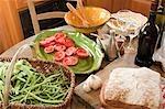 Nourriture sur la table en français de cuisine de pays