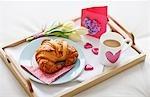 Valentinstag Frühstück Tablett