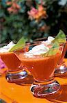 Soupe de tomate glacée