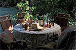 Table mise en plein air