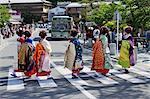 Maiko Crossing Street, Arashiyama, Kyoto, Kyoto Prefecture, Kansai Region, Honshu, Japan