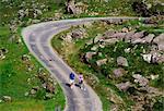 Gap de Dunloe, Parc National de Killarney, comté de Kerry, Irlande ; Randonneurs sur le sentier