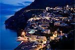 Vue de Positano à nuit, Campanie, Italie