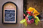 Menü auf Wand, Spello, Umbrien, Italien