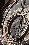 Gros plan de l'horloge astronomique de Prague, place de la vieille ville, Old Town, Prague, République tchèque