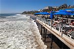 Restaurant sur le quai, plage de San Clemente, Orange County, Californie, Etats-Unis