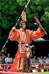 Japon, Tokyo, Meiji Jingu temple, Meiji Jingu printemps Grand Festival célébration, Bugaku danseur