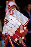 Thaïlande, Chiang Rai, Akha Hilltribe femme portant casque argent traditionnel