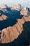 Luftbild des Mt.Igikpak (rechts) des Schwatka Mountains und Brooks Range, der höchste Gipfel im Tore der Arctic National Park & Preserve, Arktische Alaska, Herbst