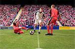 Fußball-Spieler den Ball