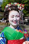 Portrait de Maiko, Arashiyama, Kyoto, préfecture de Kyōto, Kansai, Honshu, Japon