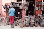 Boutique de seau, Marrakech, Maroc