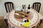 Pain et du vin sur la Table, Caunes-Minervois, Aude, Languedoc-Roussillon, France