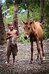 Jeune garçon à cheval dans le Village de Komis Lete, Sumba (Indonésie)