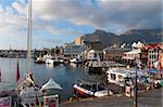 V & A bord de l'eau avec la montagne de la Table en arrière-plan, Cape Town, Afrique du Sud, Afrique