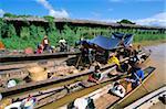 Floating market, Ywama, Inle Lake, Shan State, Myanmar (Burma), Asia