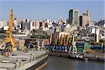Containerhafen und City-Skyline, Montevideo, Uruguay, Südamerika