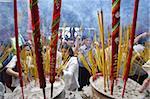 Brûler de l'encens au cours de la Têt, les Vietnamiens lunaires nouvelle célébration de l'année, Thien Hau Temple, Ho Chi Minh ville, Vietnam, Indochine, Asie du sud-est, Asie