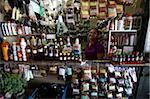 Médicaments pour se protéger contre tout au marché central de Manaus, au Brésil, en Amérique du Sud