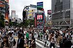 Shibuya croisement en face de la gare de Shibuya est l'un des plus achalandé city centre, Tokyo, Japon, Asie de Tokyo