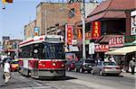 Tramway de Toronto sur la rue Dundas Ouest, Chinatown, Toronto, Ontario, Canada, l'Amérique du Nord