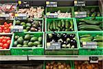 Section légume d'un supermarché