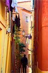 Frankreich, Cote d ' Azur, Nizza; Eine typische Ansicht der hell farbigen gestrichenen Wänden, im historischen Viertel von zentralen Nizza
