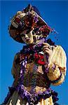 Une femme masquée à la Carnivale