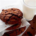 Biscuits au chocolat et le lait