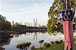 Du Sud Asie du sud-est, la Malaisie, Kuala Lumpur, Petronas Towers, lac Titiwangsa