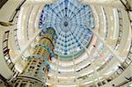 L'Asie du Sud, en Malaisie, Kuala Lumpur, Suria KLCC shopping mall à l'intérieur des tours Petronas
