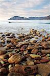 Hout Bay et la Formation rocheuse de sentinelle de la plage de Kommetje, Kommetje, Province du Western Cape, Afrique du Sud