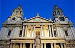 Angleterre, Londres. Londres cathédrale Saint-Paul au crépuscule.