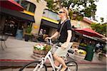 Femme vélo, San Diego, Californie