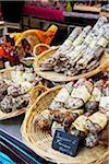 Wurst zum Verkauf an Markt Kiosk, AIX Bouches-du-Rhone, Provence, Frankreich