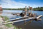 Besucher anzeigt eine Fishwheel am Chena River auf Entdeckungstour Riverboat, Fairbanks, Alaska Interior, Sommer