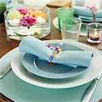 Ein gedeckter Tisch.
