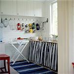 Eine Küche in einem Sommerhaus, Schweden.