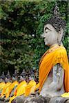 Vue latérale de la pierre de Bouddha au Temple de Wat Yai Chaya Mongkol, Thaïlande