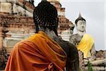 Bouddhas de Pierre au pied du Temple Wat Yai Chaya Mongkol, Thaïlande