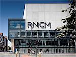 Royal Northern College of Music, Manchester, Greater Manchester. Architectes : MBLA. Ingénieurs : Ingénieurs : éclairage conçu par Simon Corder