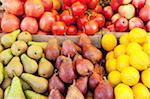 Fruits et légumes au marché de la rue BIOS