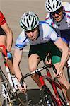 Coureurs de course sur le Vélodrome